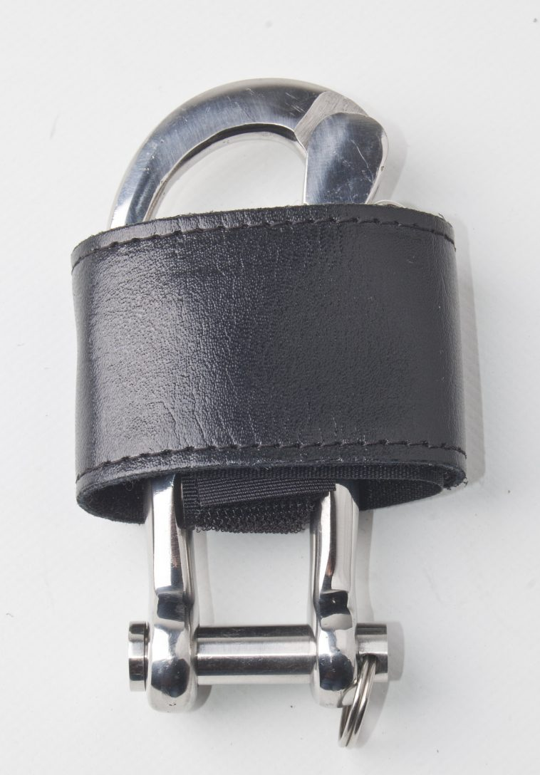 Shackle cover